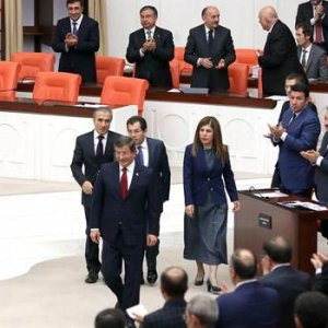 Başbakan Davutoğlu'ndan dikkat çeken hareket !
