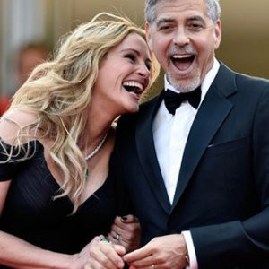 George Clooney eşini aldattı mı ?