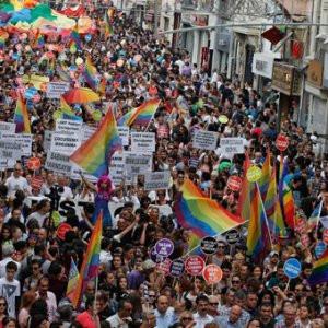 Taksim'de LGBTİ önlemi