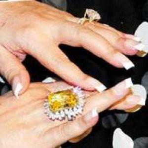 Bülent Ersoy'un yüzüğü olay oldu