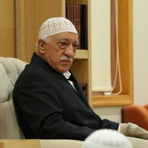 Gülen'e uluslararası abluka