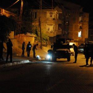 Polis aracının geçişi sırasında patlama: 3 yaralı