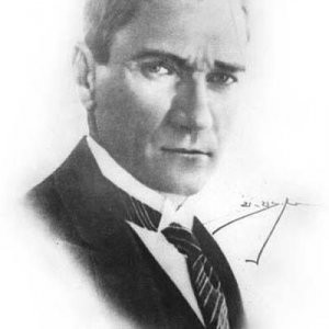 'Asırlık çınarlar' Atatürk'ü anlattı