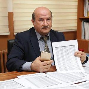 Öğretim üyesinin telefon faturası zaferi