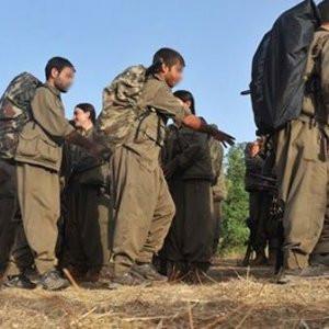 PKK'lılar 2 bin öğrenciyi okulsuz bıraktı