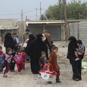 Musul'da 73 bin sivil yerlerinden edildi