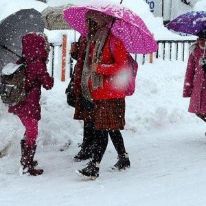 O şehirde eğitime bir gün kar tatili