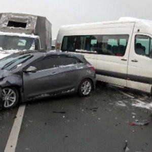 Rize'de zincirleme kaza: Yaralılar var