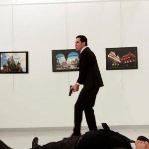 Rus büyükelçiye 9 kurşun