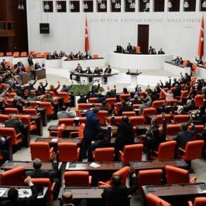 Anayasa değişiklik teklifi Meclis'ten geçti