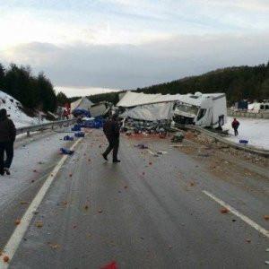 Afyonkarahisar'da zincirleme kaza: 18 yaralı