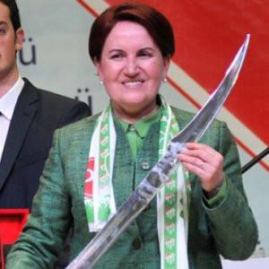 Meral Akşener ve Nazlıaka AYM'ye başvurdu