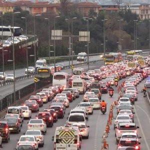İstanbul'da 'ek şerit' trafiği