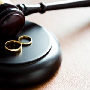 Yurt dışında boşanan Türkiye'de de boşanmış sayılacak