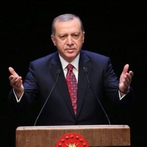 Erdoğan'dan 12 dilde 8 Mart mesajı