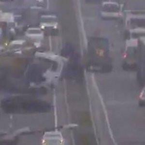 İstanbul'da zincirleme kaza ! Trafik felç oldu
