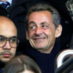 Fransa eski cumhurbaşkanı staddan atıldı