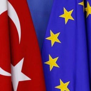 AB: Türkiye'ye bazı mali yardımlar durduruldu