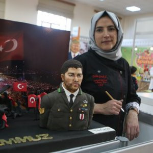 Şehit Halisdemir'in pastasını yapan kadından şok sözler