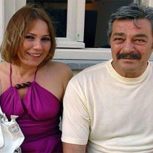 Kadir İnanır'ın sevgilisine 1 yıl 3 ay hapis cezası!