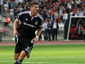 Beşiktaş Mario Gomez'in yerine onu alıyor