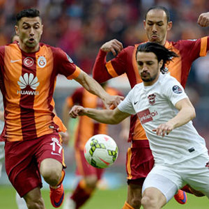 Lider Galatasaray !