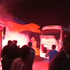 Taraftarlar takım otobüsüne saldırdı !