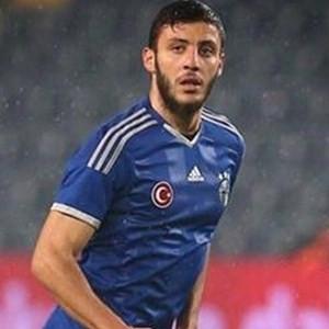 Fenerbahçeli futbolcunun burnu kırıldı