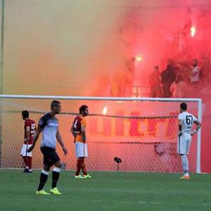 Galatasaray maçı yarıda kaldı !