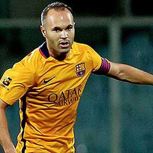 Barcelona'nın yeni kaptanı Iniesta oldu...
