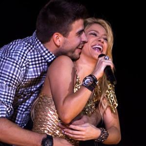 Shakira'yı suratından vurdu !