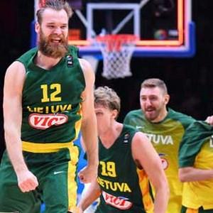 Litvanyalı basketbolculara büyük onur
