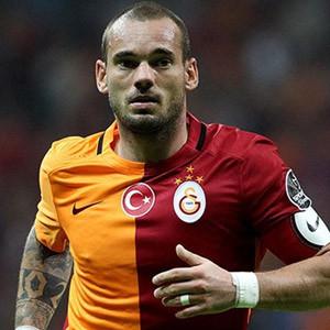 Wesley Sneijder efsaneleri sollayacak !