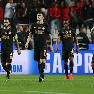 Galatasaray Şampiyonlar Ligi'nde dökülüyor