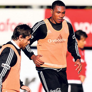 Marcelo göz dolduruyor !