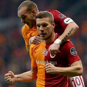 Galatasaray'a 2 şok birden !