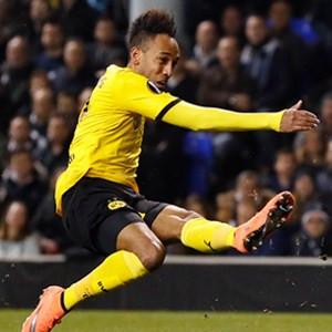 Manchester United'tan Aubameyang'a servet !