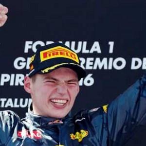 Verstappen F1 tarihine geçti !