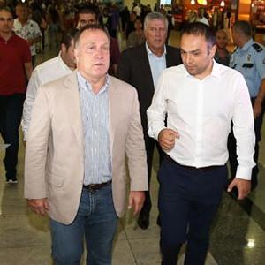 Dick Advocaat 1 yıllığına Fenerbahçe'de