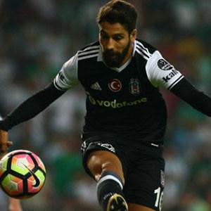 Olcay Şahan Beşiktaş'ın yeni efsanesi oluyor
