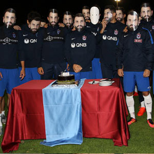 Mustafa Yumlu'ya maskeli sürpriz