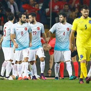 Türkiye: 2 - Kosova: 0