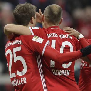 Bayern Münih Wolfsburg'u dağıttı