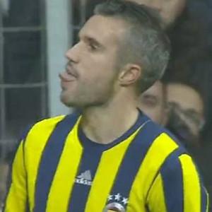 Van Persie'den Beşiktaş taraftarına çirkin hareket !