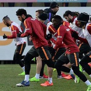 Galatasaray yeni hocayla iyi başlayamıyor
