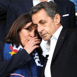 Barcelona-PSG maçına giden Sarkozy'e büyük şok