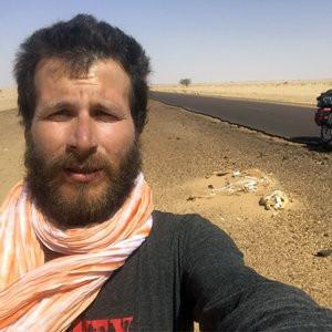 Bisikletle Sahra Çölü'nü geçti