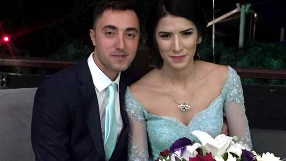 Kendisini gözaltına alan uzman çavuşla nişanlandı