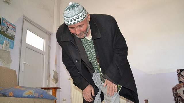 ''Yaşayan ölü'' Mustafa amcanın otopsi izleri bile duruyor