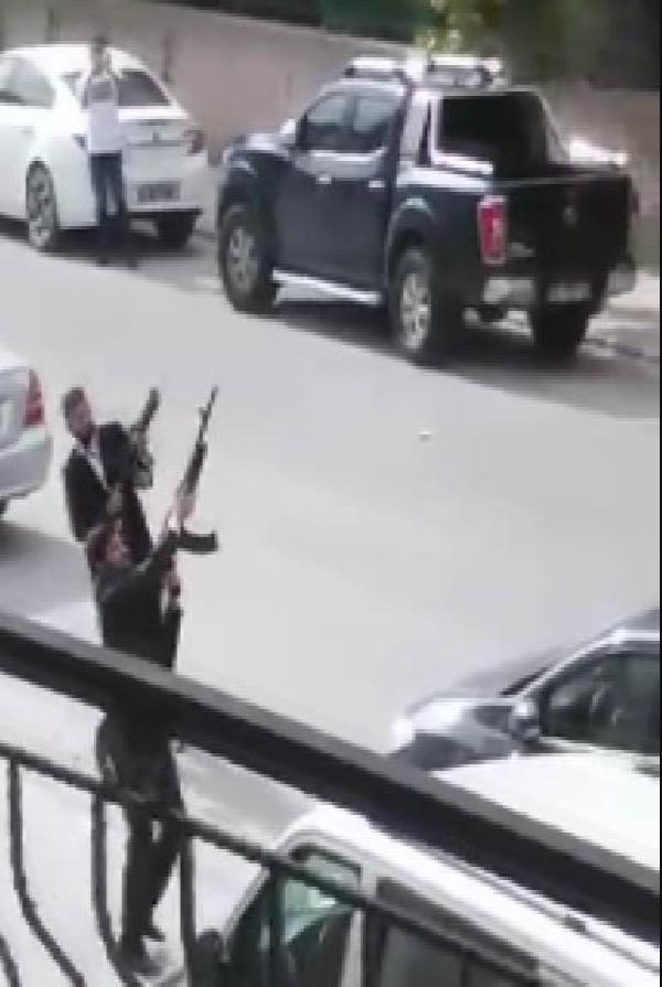 Sokak ortasında inanılmaz görüntüler ! 4 kişi yakalandı